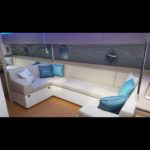 Location de Yacht Marseille: salon du RYO sublime
