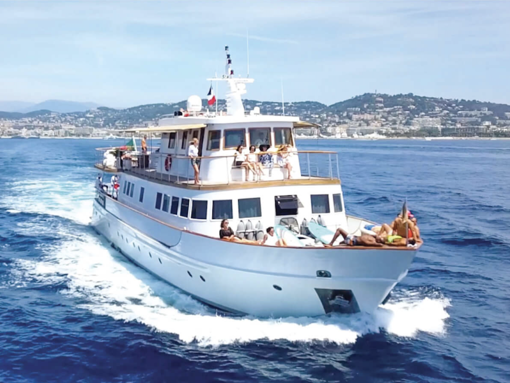 Clara One - Yachting Boat 13 - Yacht Location - face en navigation
