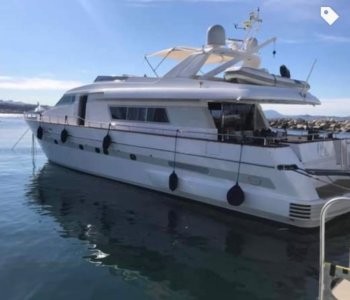 Location yacht de luxe OLA à Marseille chez Yachting Boat 13 : babord